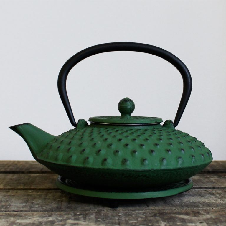 Japanese Style Cast Iron Teapot Handmade Traditional Red or Green