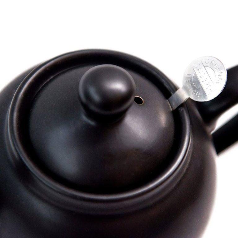 web-optimised-black-teapot-2