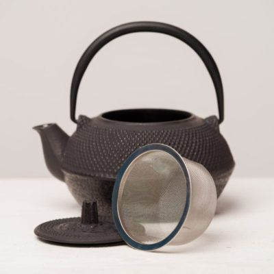 Japanese-style-small-black-cast-iron-teapot