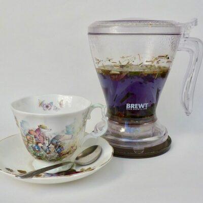 Purple-Rain-Blue-Tea-With-Magic-Press
