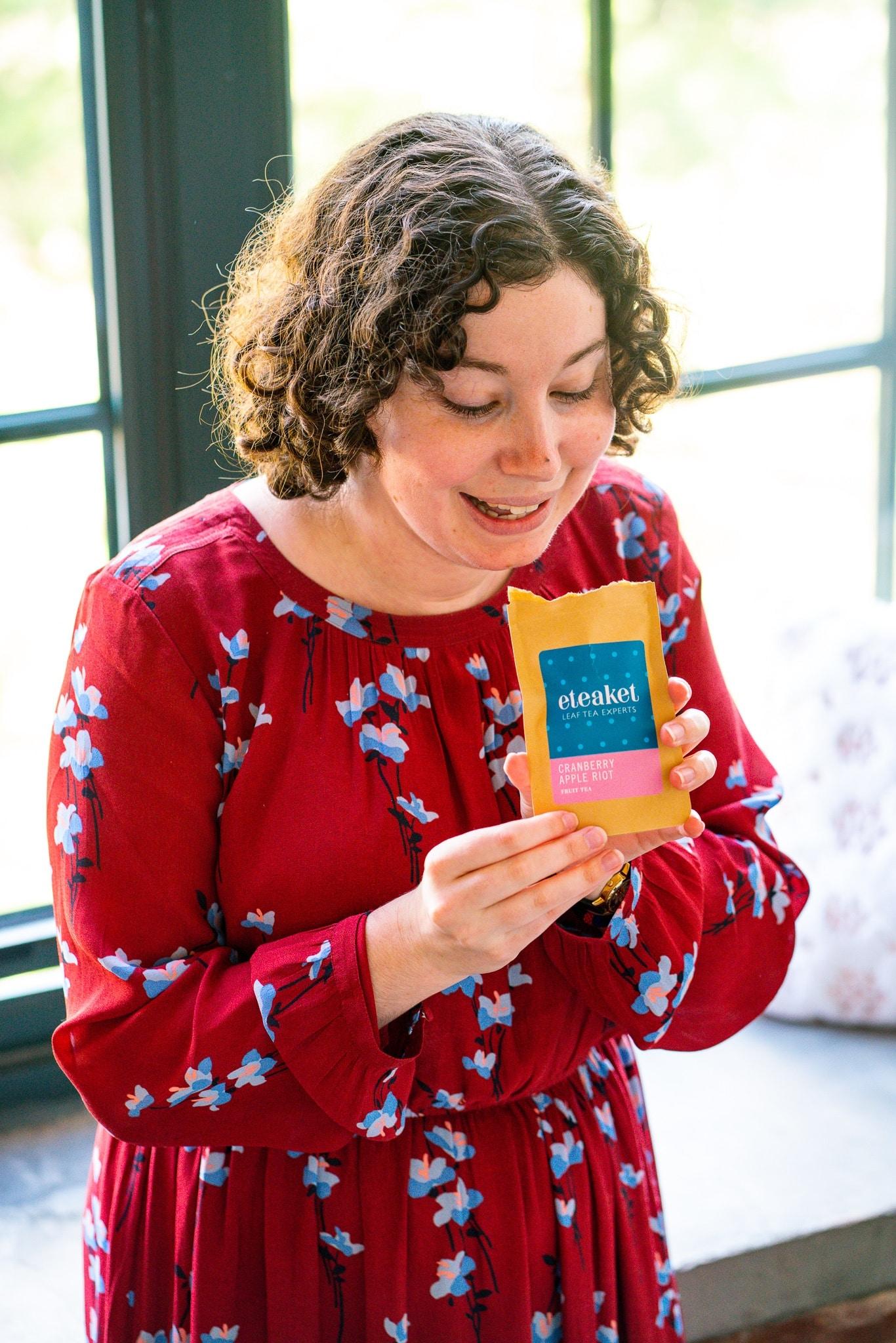 Brand ambassador eteaket Sarah