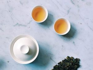 Gaiwan with tasting cups